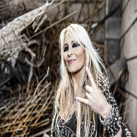 """Bild zum Artikel: Die """"Queen of Metal"""" rockt Nürnberg"""